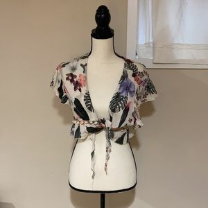 Revolve Lovers and Friends floral crop tie top EUC